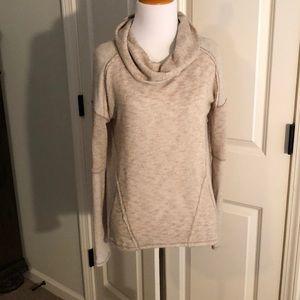 Like new!! Free People sweater, sz XS